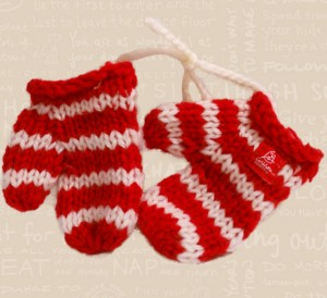 2011 Knit Mittens Image