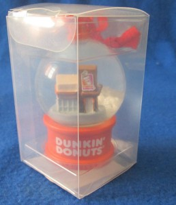 2013 DD Store Snow Globe Ornament3